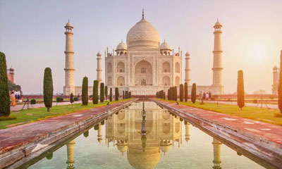 Enchanting Himalayas with Taj