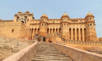 Forts and Palaces Tour Packages in Hapur